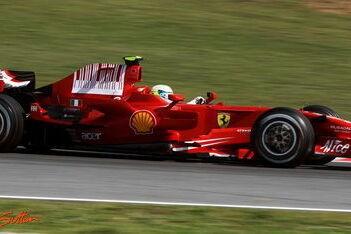 Massa hoopt op mooi cadeau in Barcelona