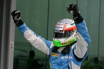 Karthikeyan wint laatste race van het seizoen