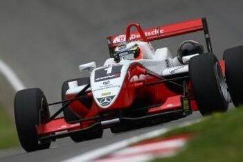 Hulkenberg erft de winst op Brands Hatch