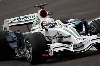 Patrese stuurt Honda RA107 over Jerez