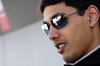 Khan opnieuw coureur bij Team Pakistan