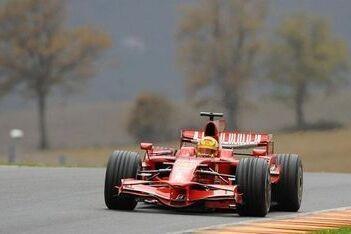 Slecht weer tijdens tweede testdag Rossi