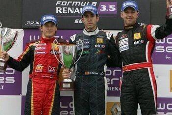 Martínez wint ook tweede race in Barcelona