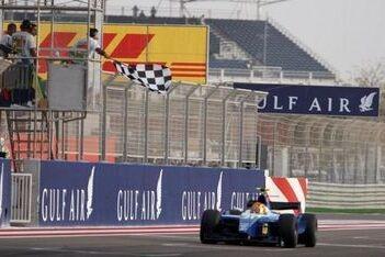 Nunes wint in Bahrein, Kobayashi nieuwe kampioen