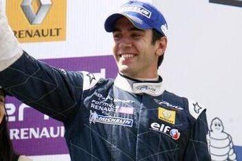 Martínez wint ook derde race van het seizoen