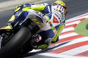 Rossi snelste in warm-up op Barcelona