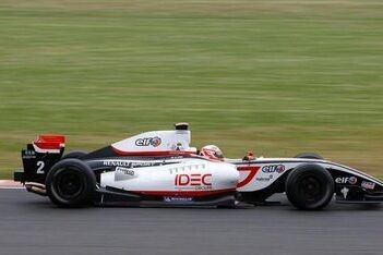 Pic domineert tweede race op Silverstone