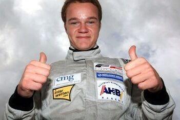 Hegewald pakt pole voor eerste race Donington