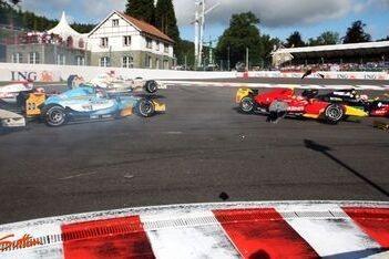 Racing Engineering-duo bestraft na klunzigheden Spa