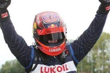 Mäki ook na herstart sterkste op Brands Hatch