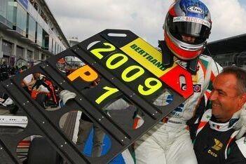 Pic wint op de Nürburgring, Baguette pakt titel