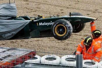 Kovalainen crasht met nieuwe Lotus in Jerez