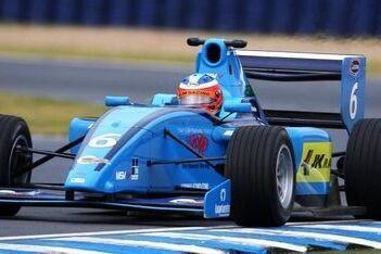 Armaan Ebrahim rijdt nog een jaar Formule 2