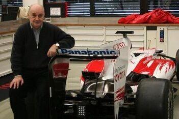 Stefan Grand Prix start auto voor het eerst