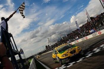 Tarquini toont sterkte SEAT in tweede race Brazilië