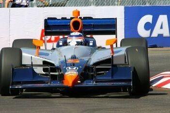 Sato crasht in eerste bocht bij IndyCar-debuut
