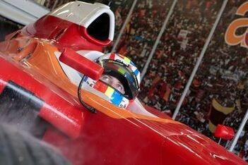 Jousse zet snelste tijd neer op eerste dag Silverstone