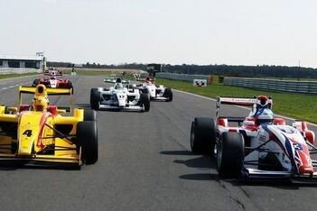 Palmer opent Formule 2-test als snelste