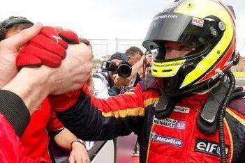 Pentus wint tweede race Aragon na slimme pitstop