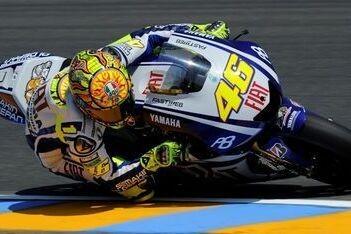 Rossi zet de toon in eerste training Le Mans