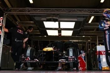 """Mark Webber: """"McLaren speelt verstoppertje"""""""