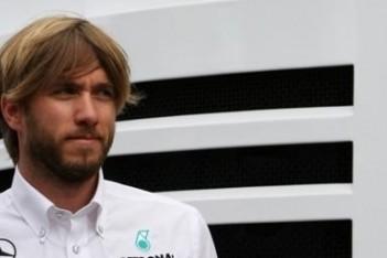 Pirelli wil Heidfeld als testcoureur voor banden