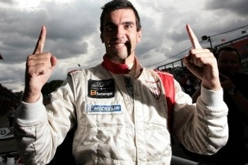 Eerste pole-position voor Martinez in Engeland