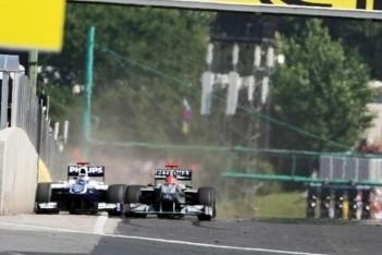 """Warwick: """"Bijna zwarte vlag voor Schumacher"""""""