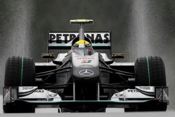 Rosberg en Glock vijf plaatsen teruggezet
