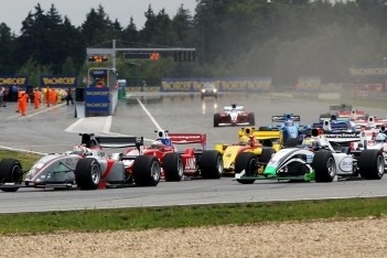 Johannes Theobald maakt debuut in Formule 2