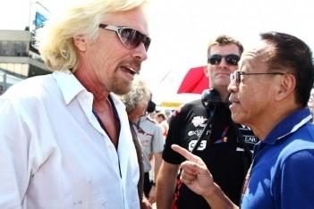 Branson wil af van blauwe vlaggen in Formule 1