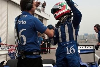 Parente wint tweede race in China ondanks spin