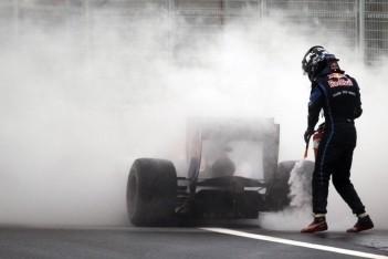 Renault verontschuldigt zich bij Red Bull Racing