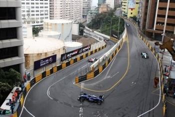 Zeven coureurs lopen gridstraf op in Macau