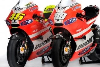 Ducati-testers werken verder in mistig Jerez