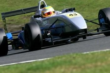 Bart Hylkema stapt in Britse Formule 3