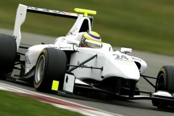Chaves ook snelste op tweede dag Silverstone