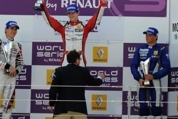 Rossi wint eerste race in Formule Renault 3.5