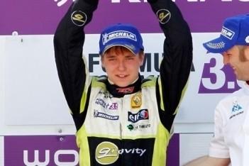 Korjus viert eerste zege in Formule Renault 3.5
