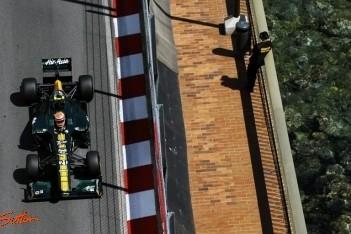 Kovalainen en Trulli met gedachten bij Perez
