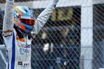 Pic wint sprintrace Monaco vanaf pole-position
