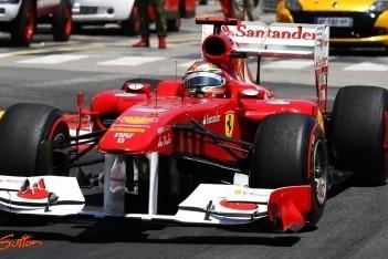 Alonso baalt van rode vlag in slotfase Monaco