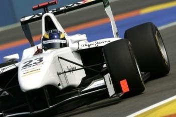 Dillmann eindigt als snelste op eerste dag Valencia