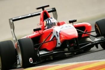 Williamson scoort eerste pole in Valencia