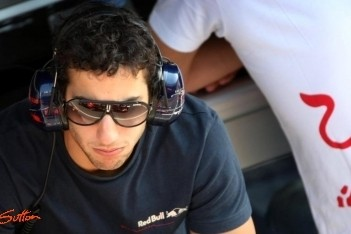 Ricciardo bevestigt plannen voor F1-debuut bij HRT