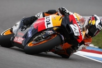 Pedrosa ook in warm-up vooraan