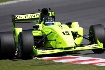 Piñeiro naar pole voor eerste race Red Bull Ring