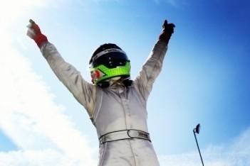 Piñeiro domineert in eerste Oostenrijkse race