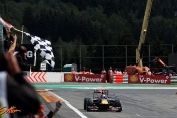 Vettel en Webber geven Red Bull de dubbel op Spa