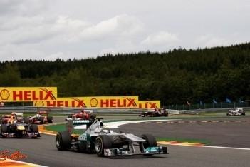 Mercedes laat zich van z'n beste kant zien op Spa